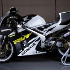 Honda RVF 400 V4 - Black & White design
